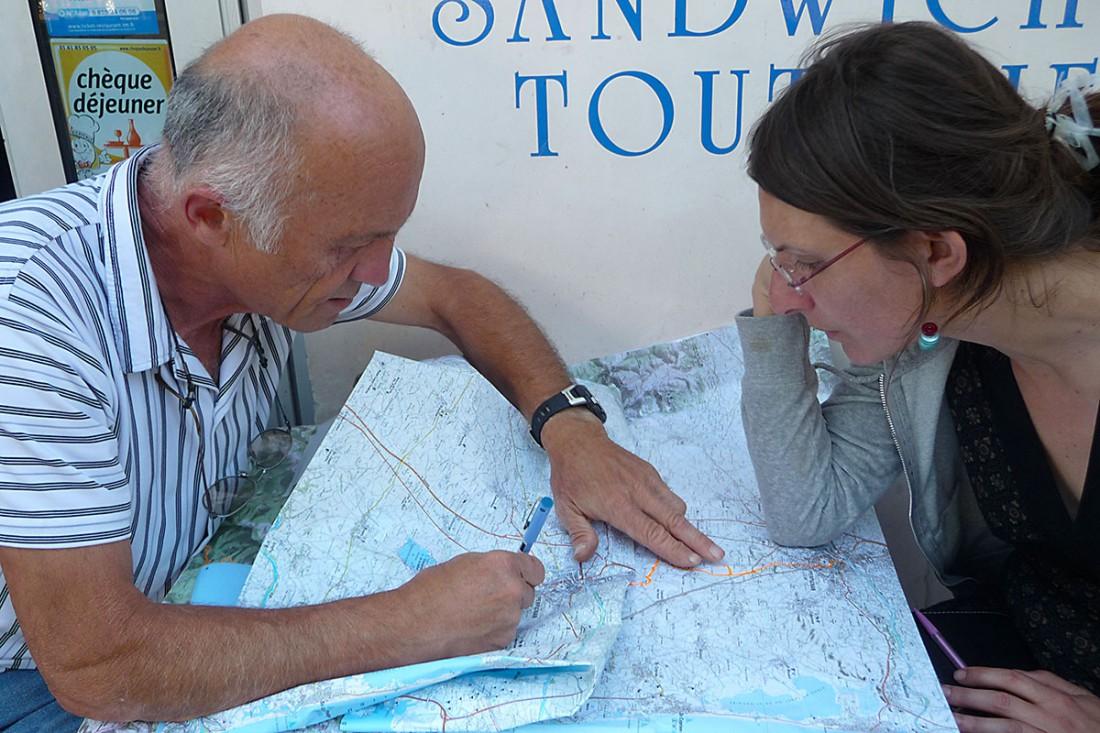 Antoni Glory i Melanie Rabat supervisen el traçat de Perpinyà