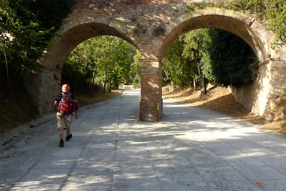 caminar-amb-el-pare-vic-barcelona-jordi-i-teo-lafon-49