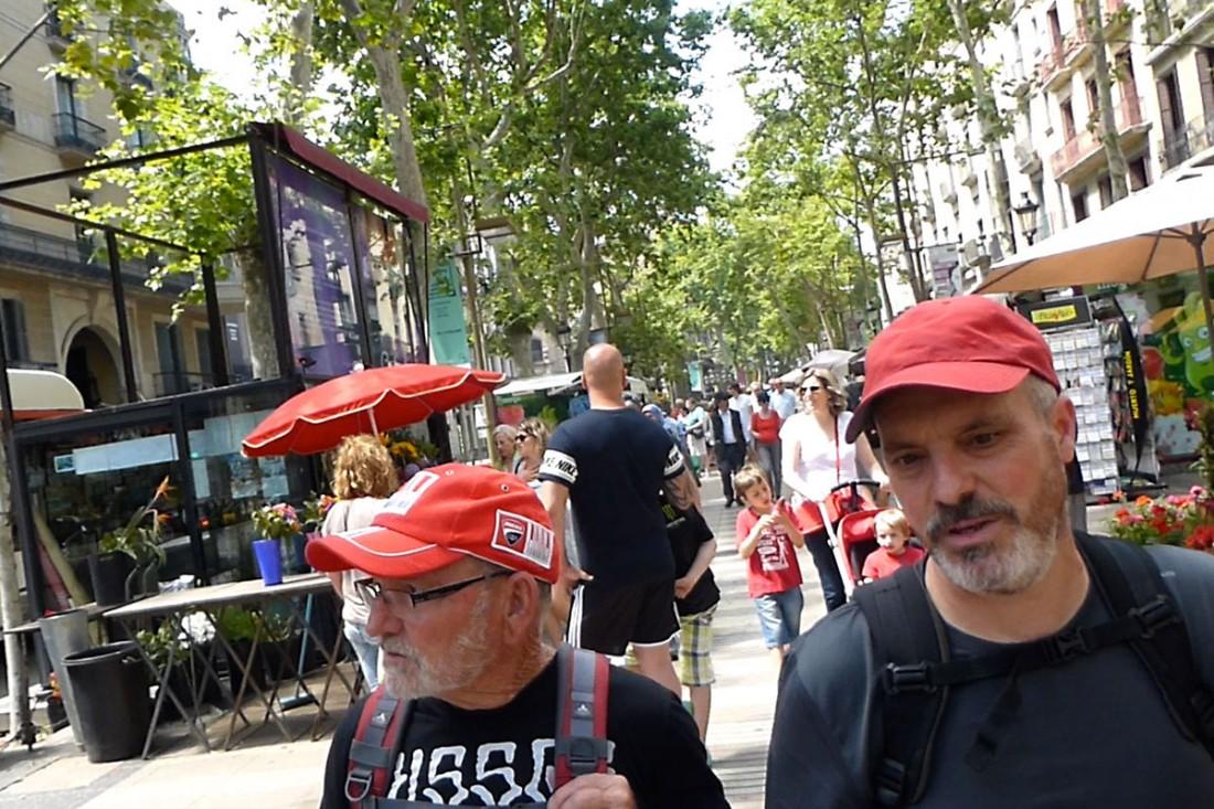 caminar-amb-el-pare-vic-barcelona-jordi-i-teo-lafon-65
